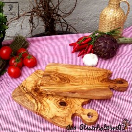 Olive wood board with special rounded handle