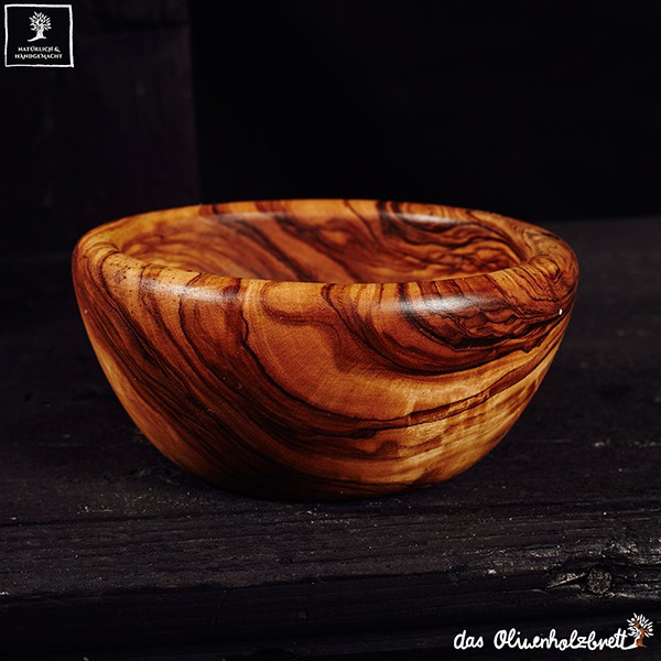 bowls in different sizes
