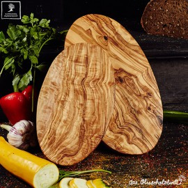 Oval cutting board